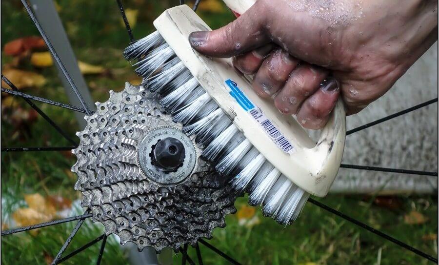 Как очистить и чем смазать цепь велосипеда